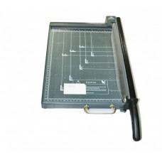 Резак для бумаги 918-2 B4 серый пластик с фиксатором